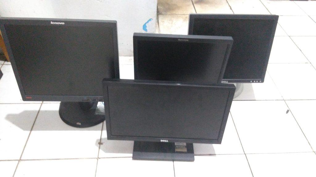 Lelang LCD Bekas Net Computer