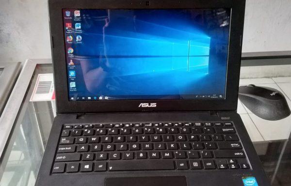 Terjual Notebook Seken Asus X200CA