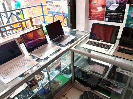 Mengapa Lebih Baik Membeli Laptop Langsung di Toko Komputer