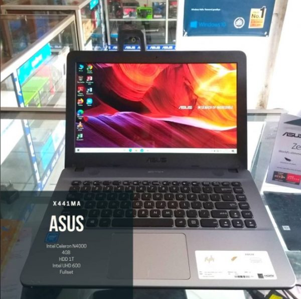 Laptop Second Like New Asus X441M on Net Computer Depok