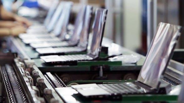 Begini ternyata cara pembuatan laptop