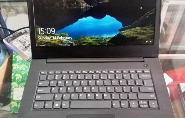 Laptop Lenovo V310-14IKB Intel Core i3 4GB/1TB