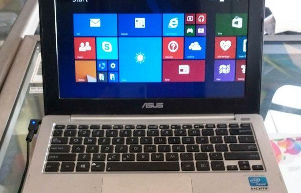 Notebook Asus X201E Intel Celeron 870 4GB/320GB